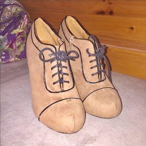 Shoes - Vintage heels! Super cute!